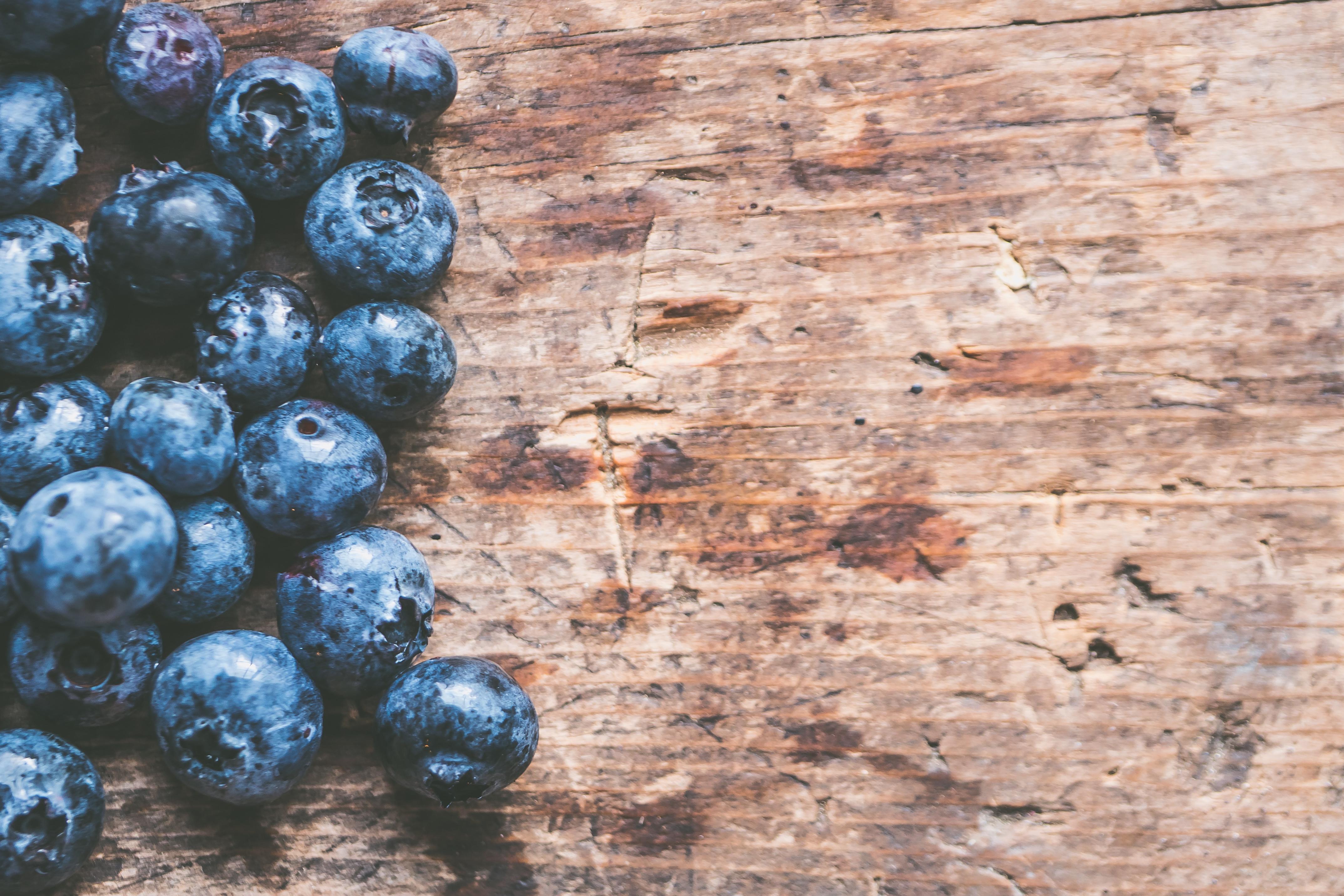 General 4294x2863 blueberries closeup food fresh fruit table