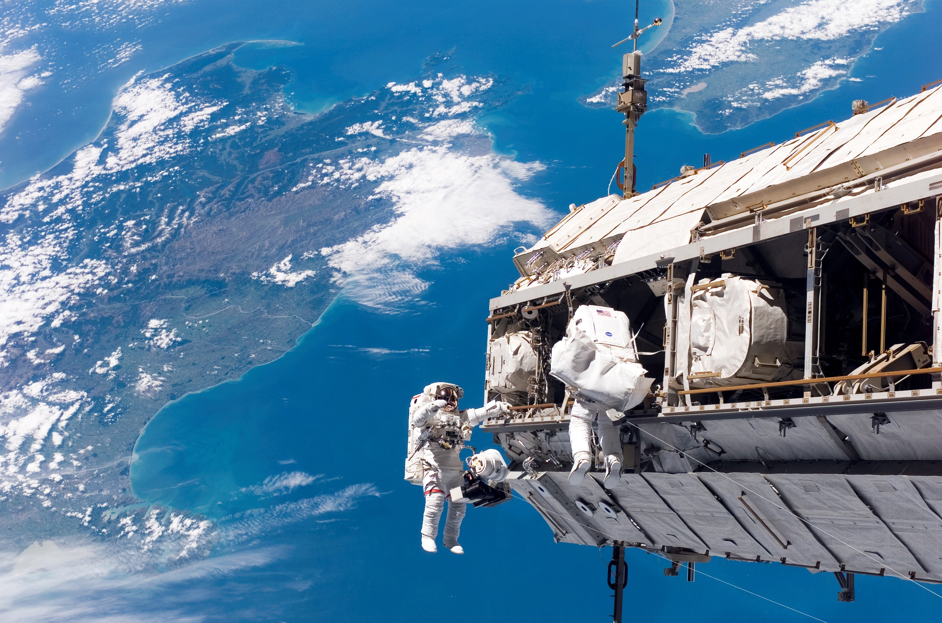 General 3032x2007 New Zealand space NASA astronaut Earth spacesuit spaceship International Space Station