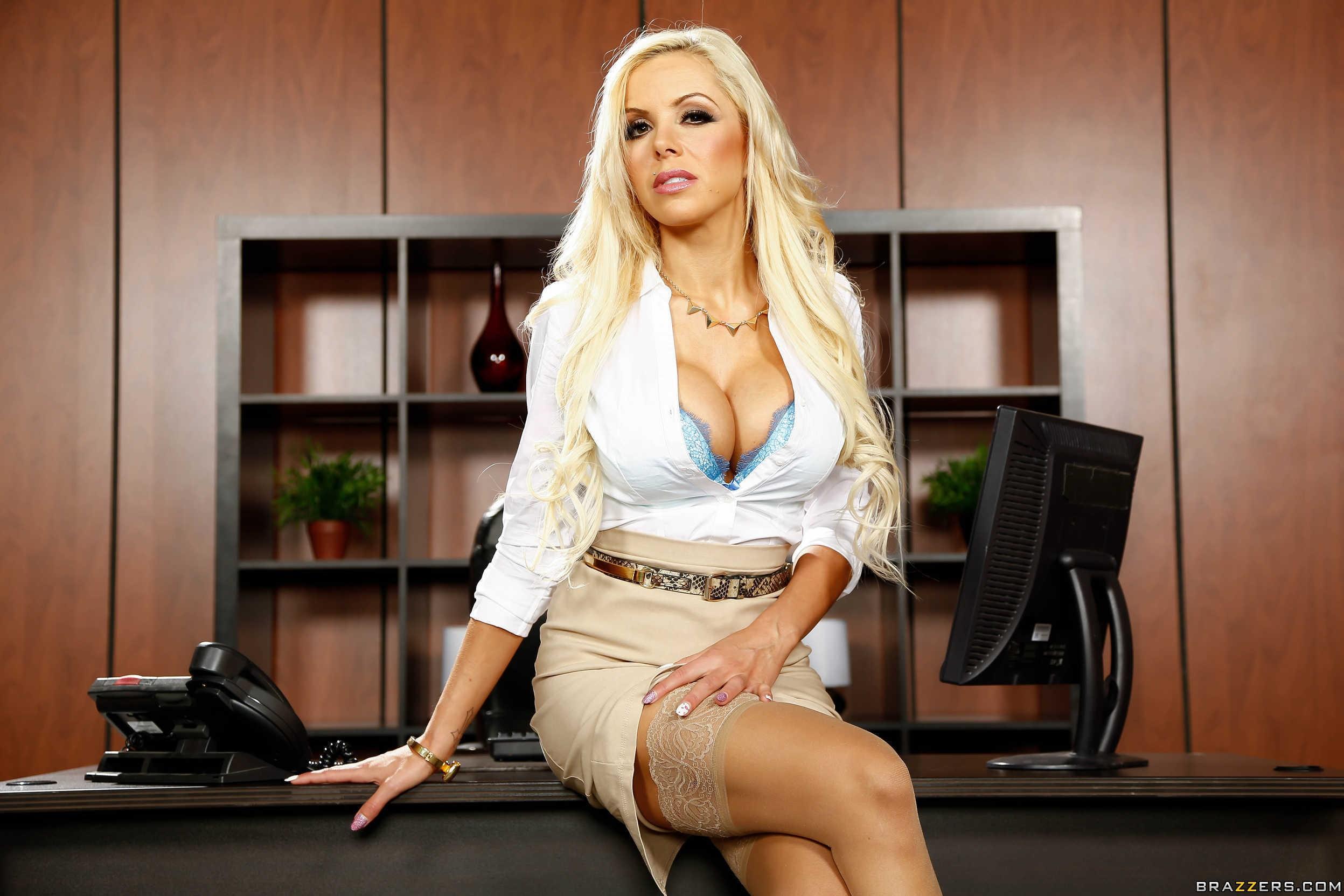 blonde, Nina Elle, pornstar, big boobs, cleavage, sitting