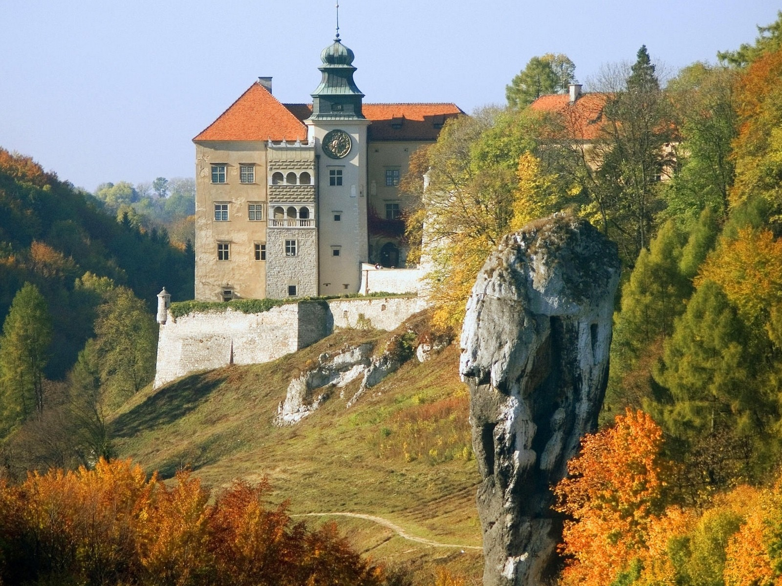 General 1600x1200 castle landscape Pieskowa Skała Poland old building fall