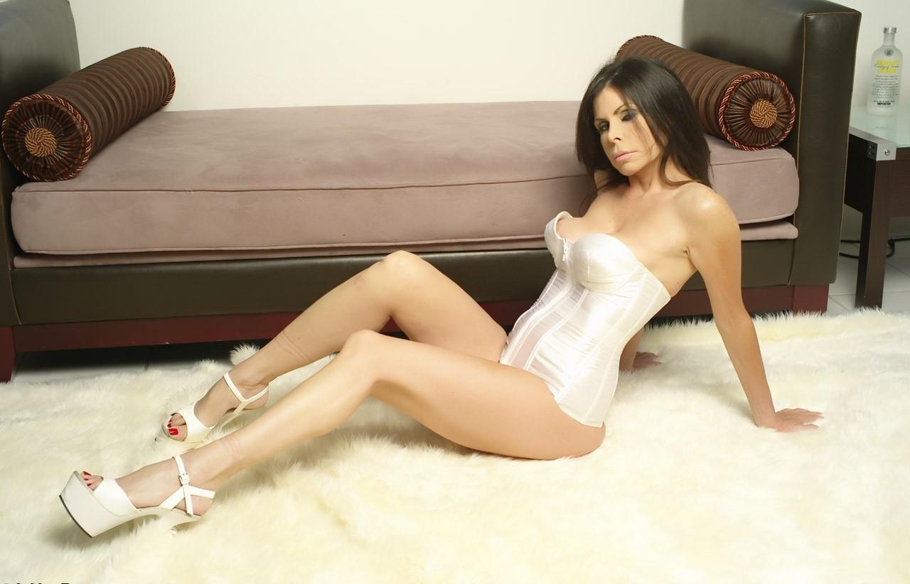 People 1280x822 Ashley Renee model high heels