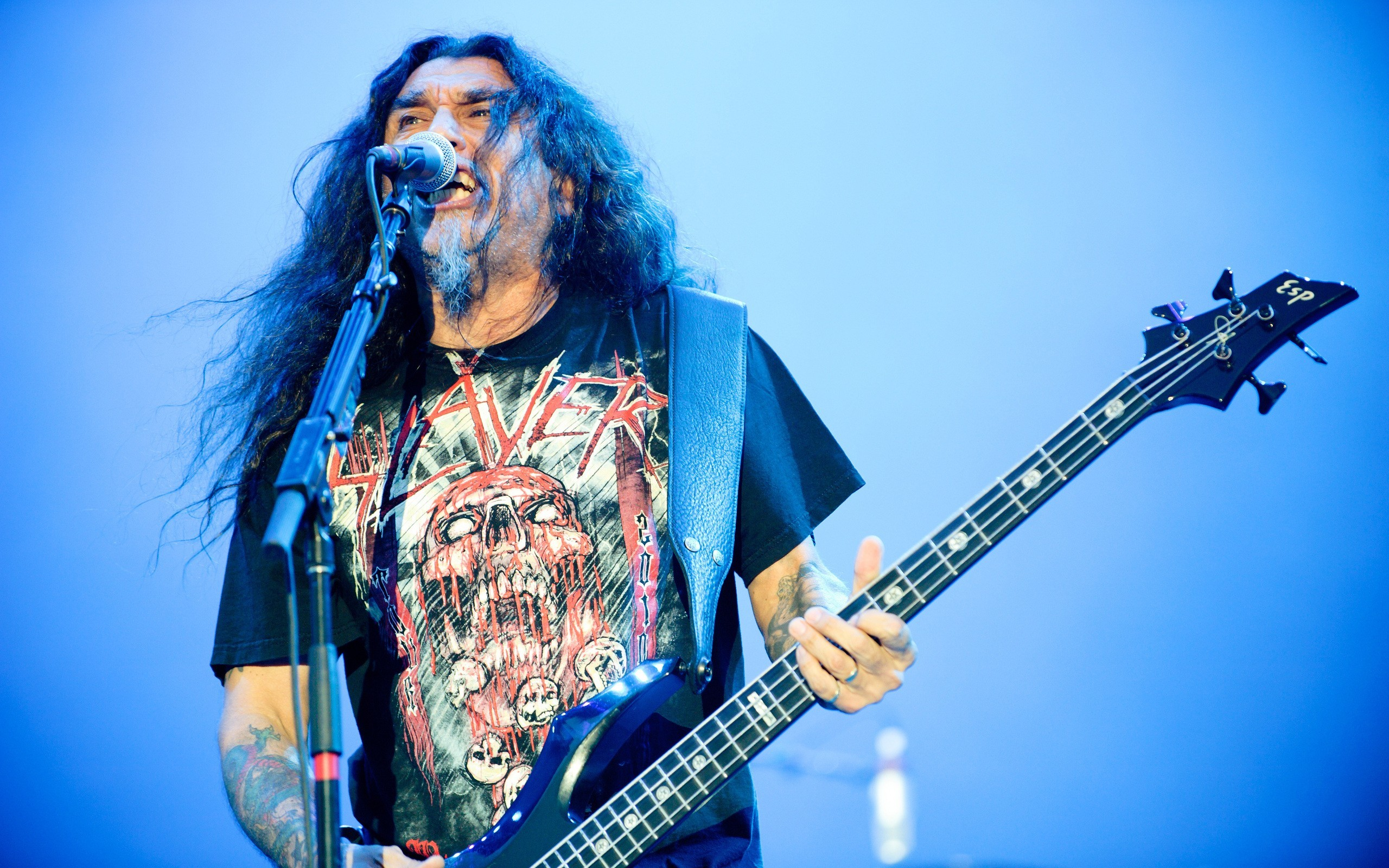 People 2560x1600 thrash metal metal band band bass guitars singer microphone alternative subculture heavy metal guitarist music concerts electric guitar Tom Araya Slayer