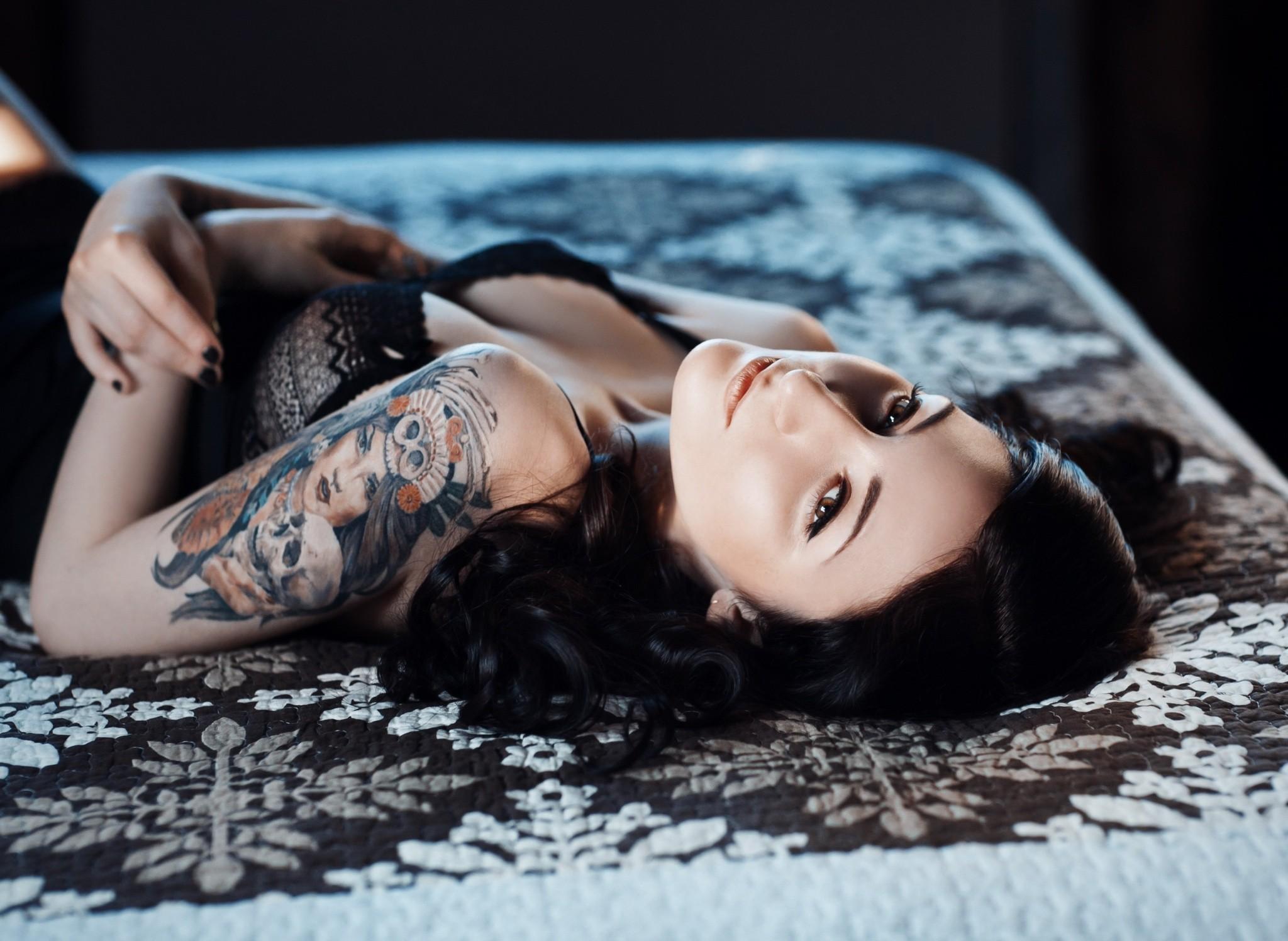 People 2048x1496 women model brunette brown eyes lingerie tattoo Alyssa Framm cleavage
