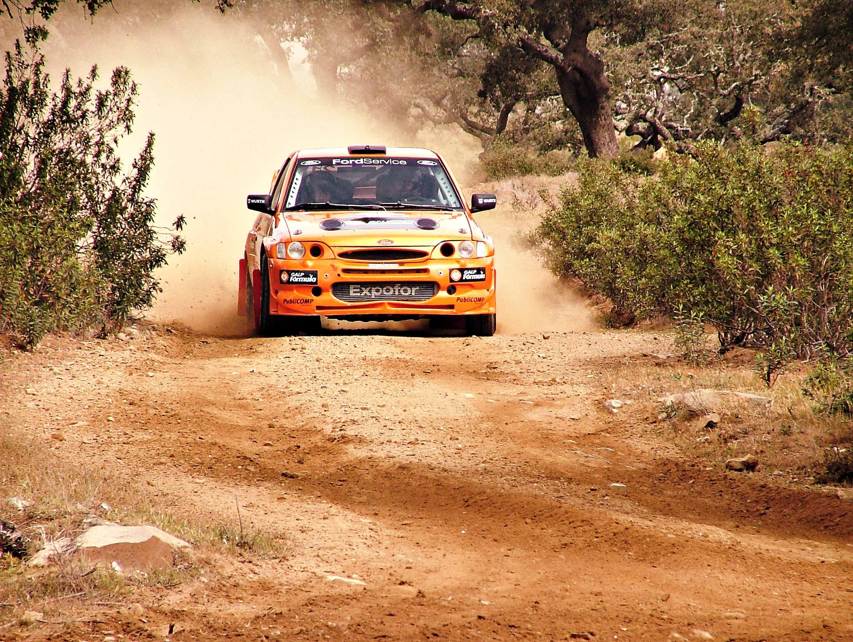 General 2816x2120 car escort Rally orange cars vehicle