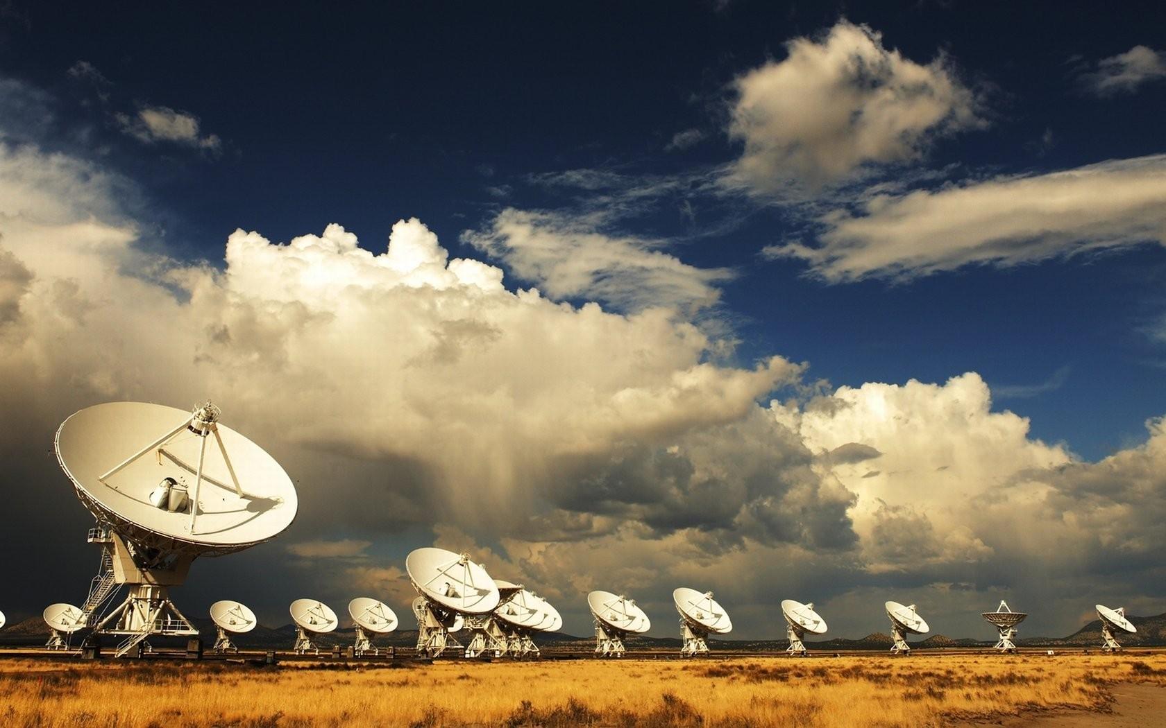 General 1680x1050 satellite technology sky antenna