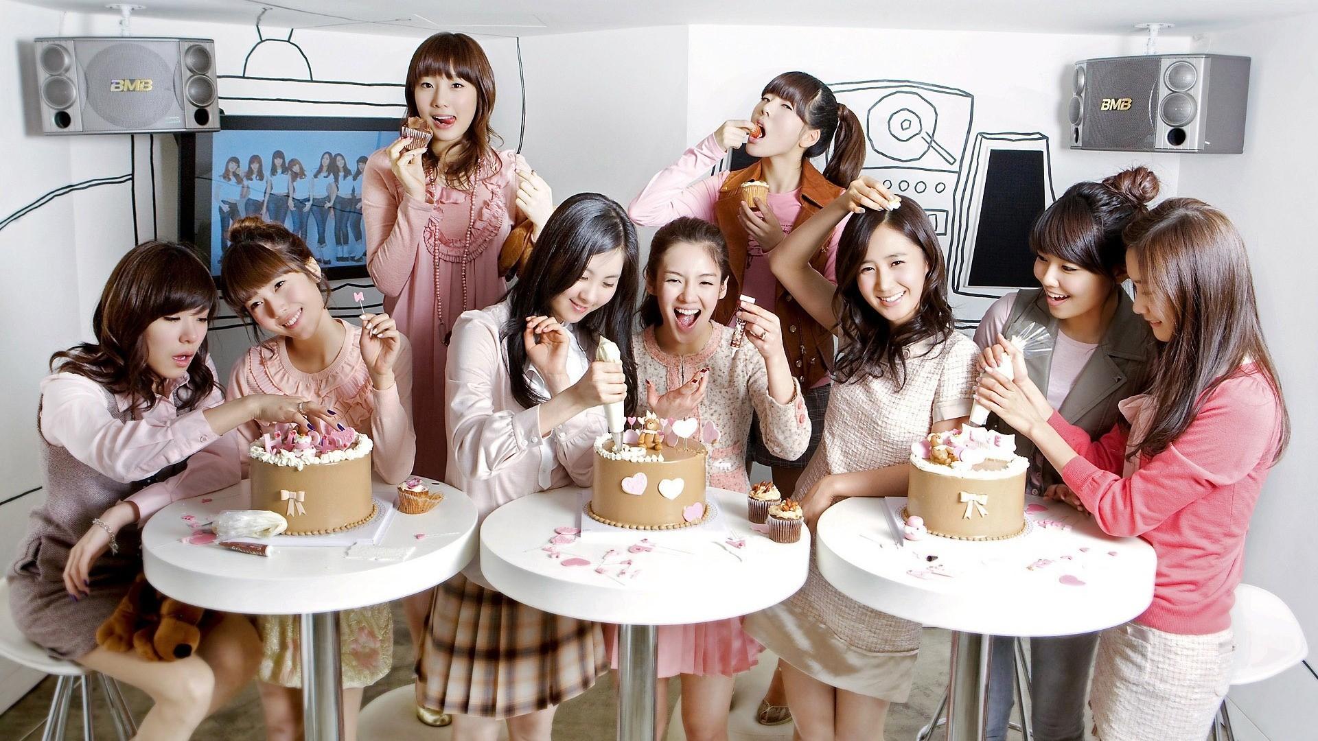 People 1920x1080 SNSD Girls' Generation Kim Taeyeon Lee Soonkyu Sunny Yoona Im Yoona Kim Hyoyeon Seohyun Tiffany Hwang Kwon Yuri Jessica Jung Choi Sooyoung women Asian group of women pies smiling