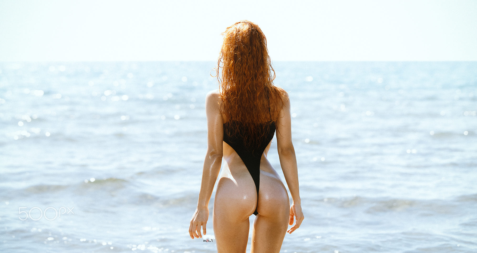 People 2000x1062 Mauro Saranga women redhead swimwear wet ass women outdoors monokinis butt floss bubble butt the gap wet body back sunlight depth of field