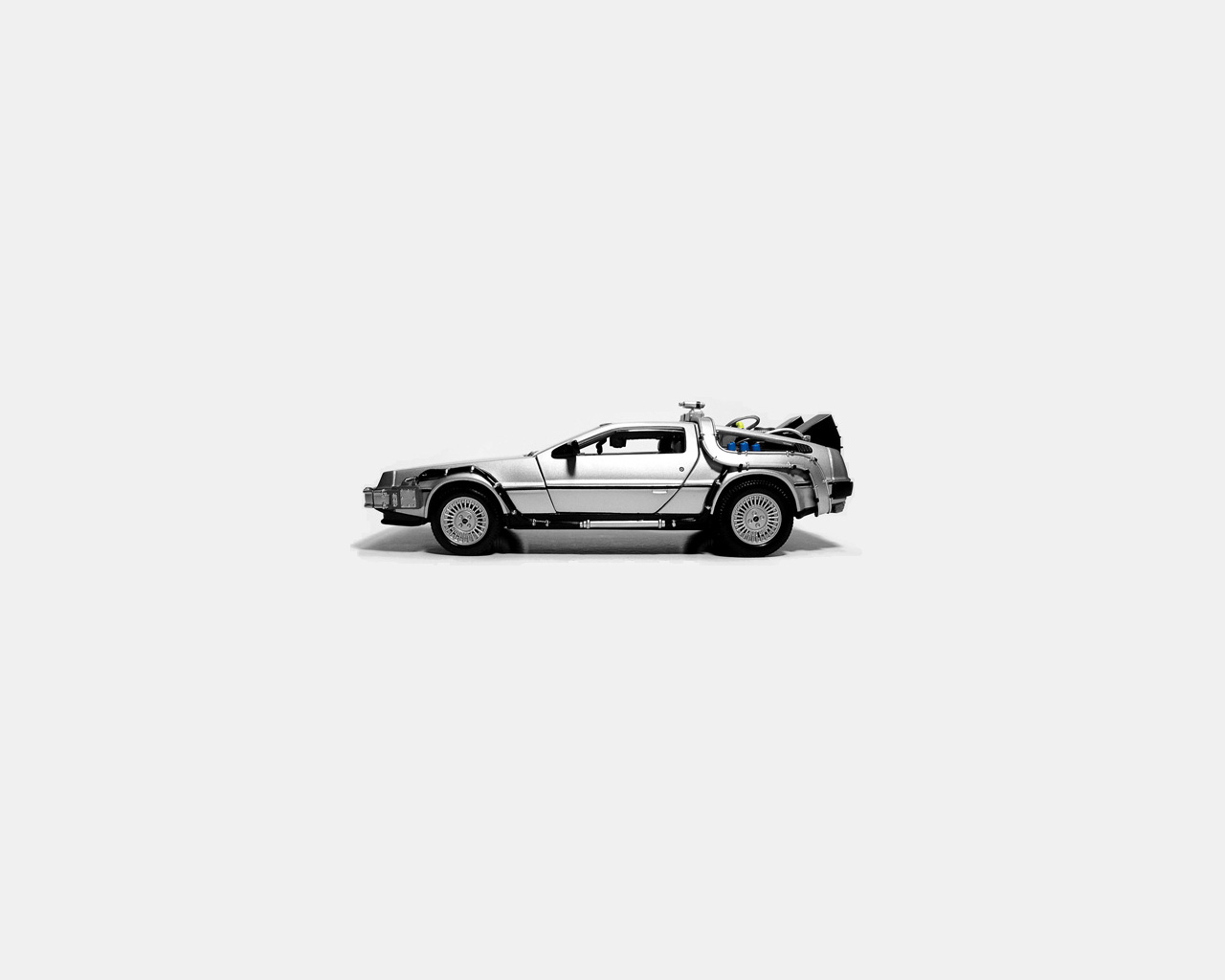 General 1280x1024 Back to the Future Back to the Future II (Movies) Back to the Future III (Movie) car Marty McFly Dr. Emmett Brown minimalism white DeLorean