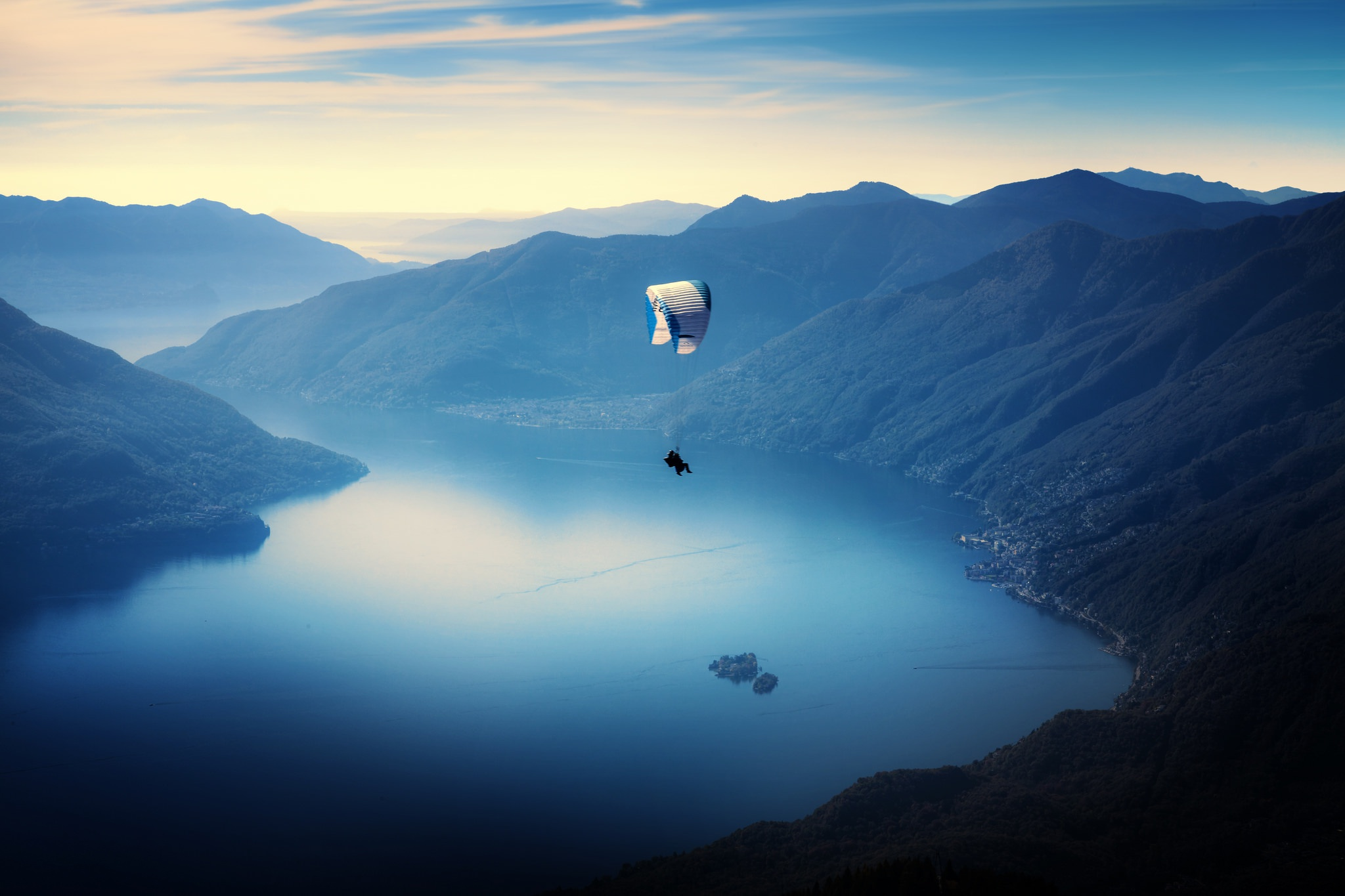 General 2048x1365 blue mountains water nature parachutes landscape cyan calm island