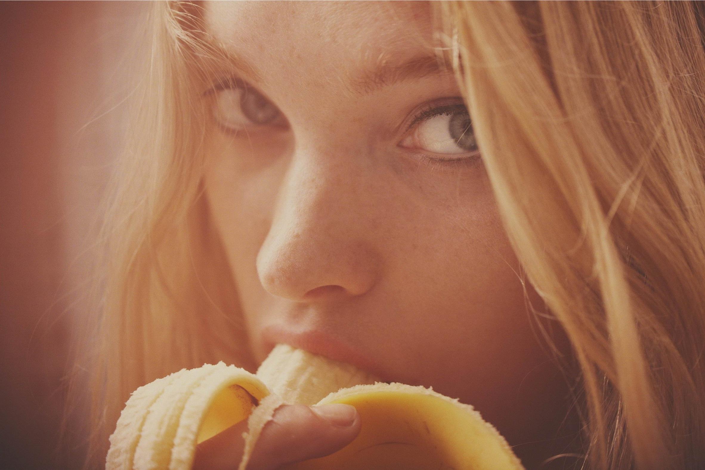 People 2364x1576 Elsa Hosk bananas blonde women phallic symbol