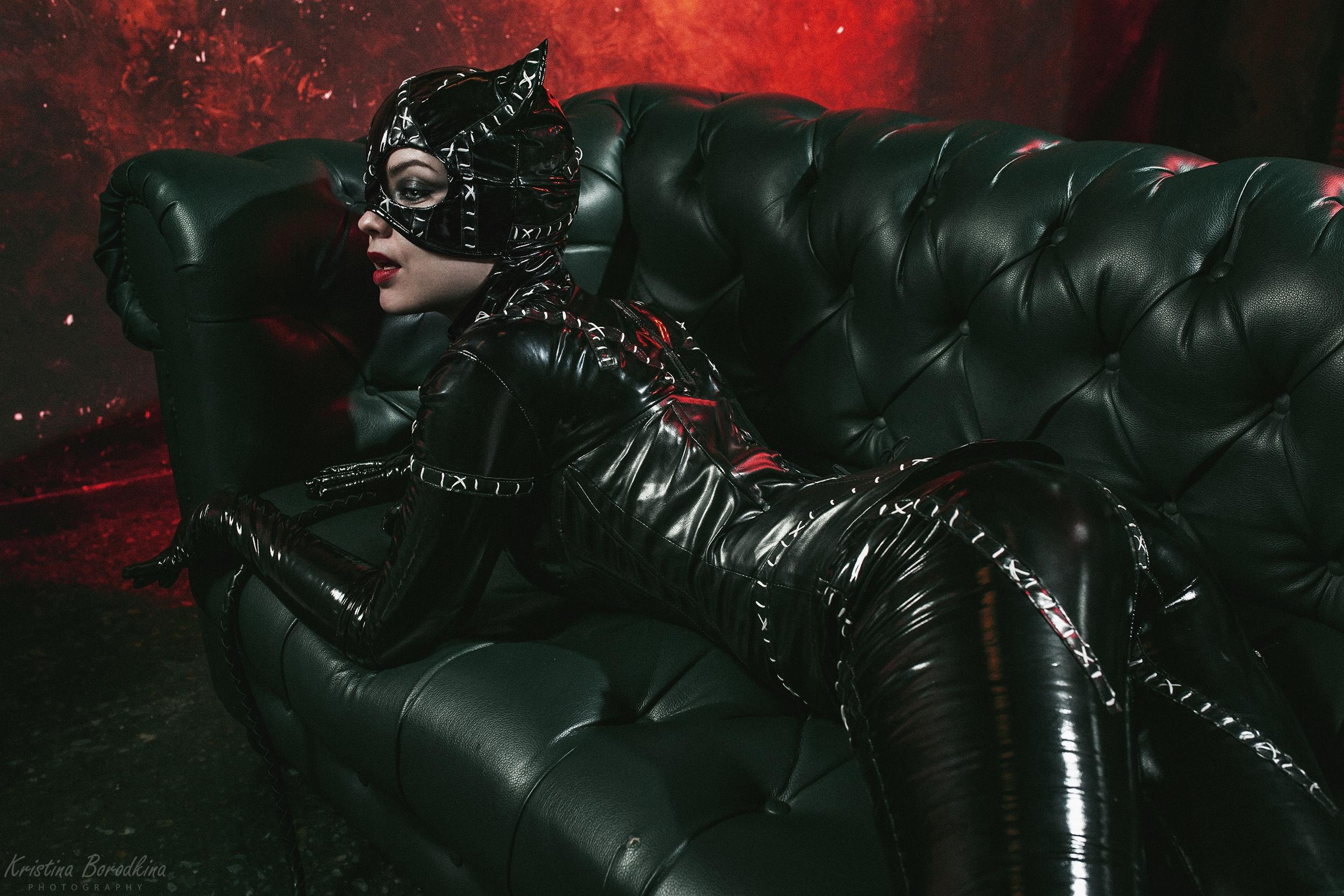 People 2500x1667 Catwoman cosplay latex latex bodysuit black latex mask face mask dark women photography costumes women indoors indoors lipstick red lipstick cat girl Kristina Borodkina