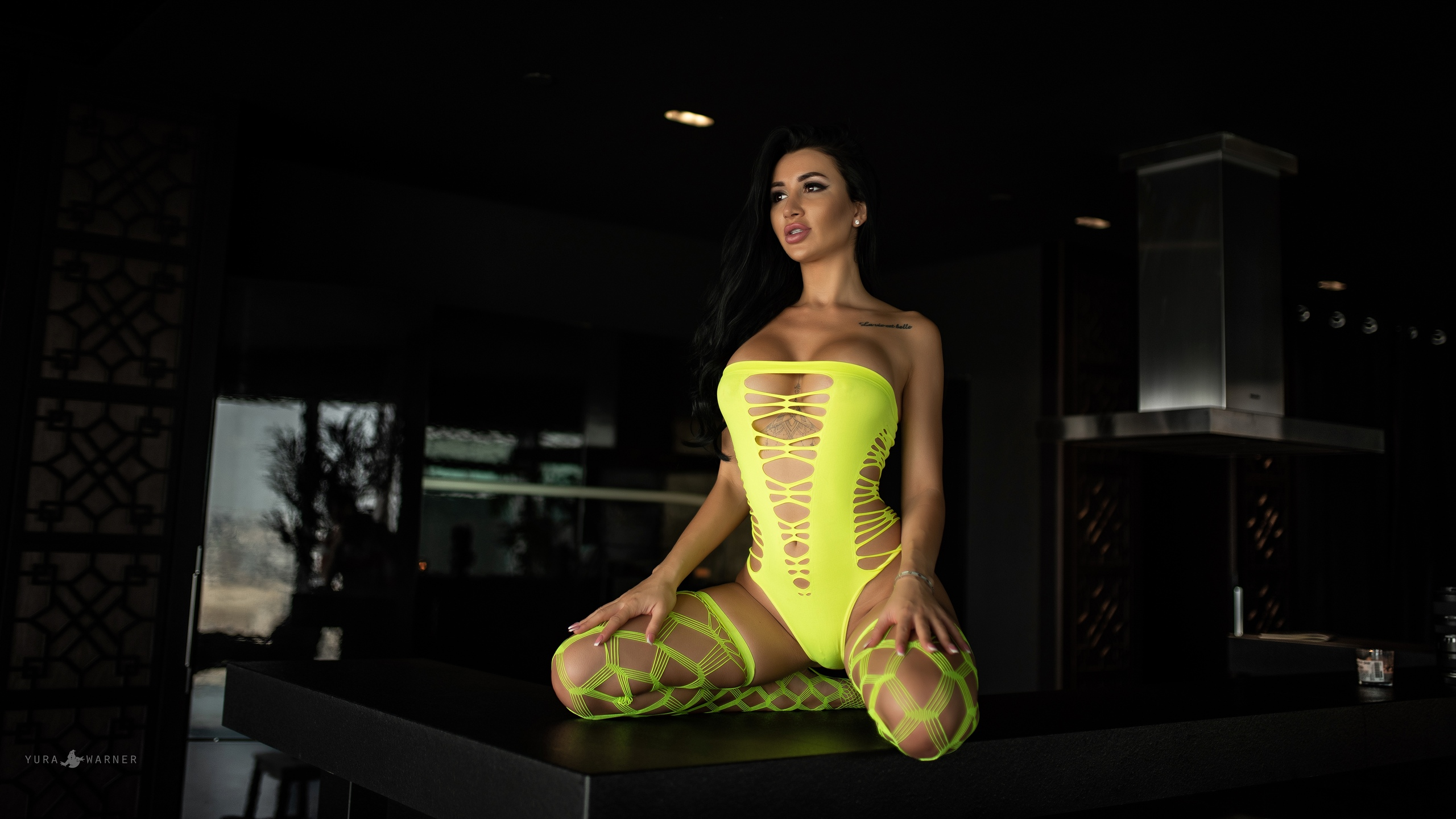 People 2560x1440 women kneeling inked girls pink nails Yura Warner Ekaterina Putina yellow pierced vagina