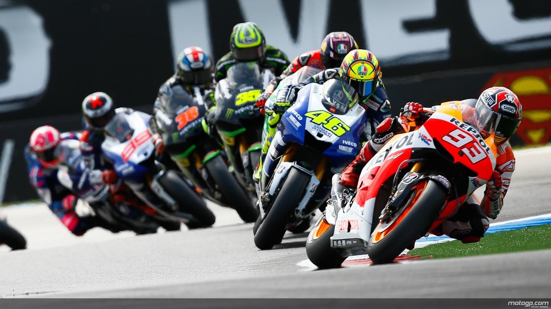 General 1440x810 vehicle motorcycle Moto GP sports racing helmet men Valentino Rossi