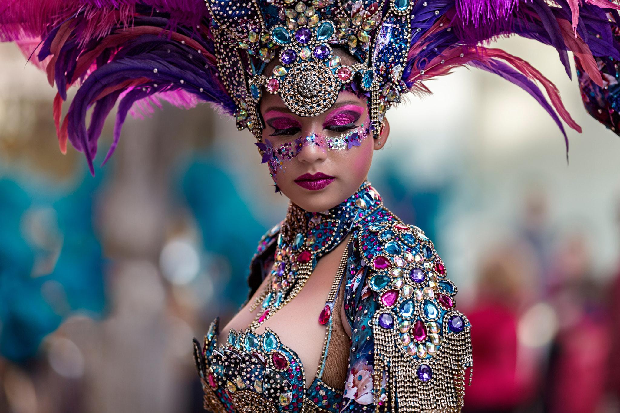 People 2048x1365 Vicente Concha women makeup eyeshadow pink purple jewelry gems glamour blush carnivals amethyst sapphire