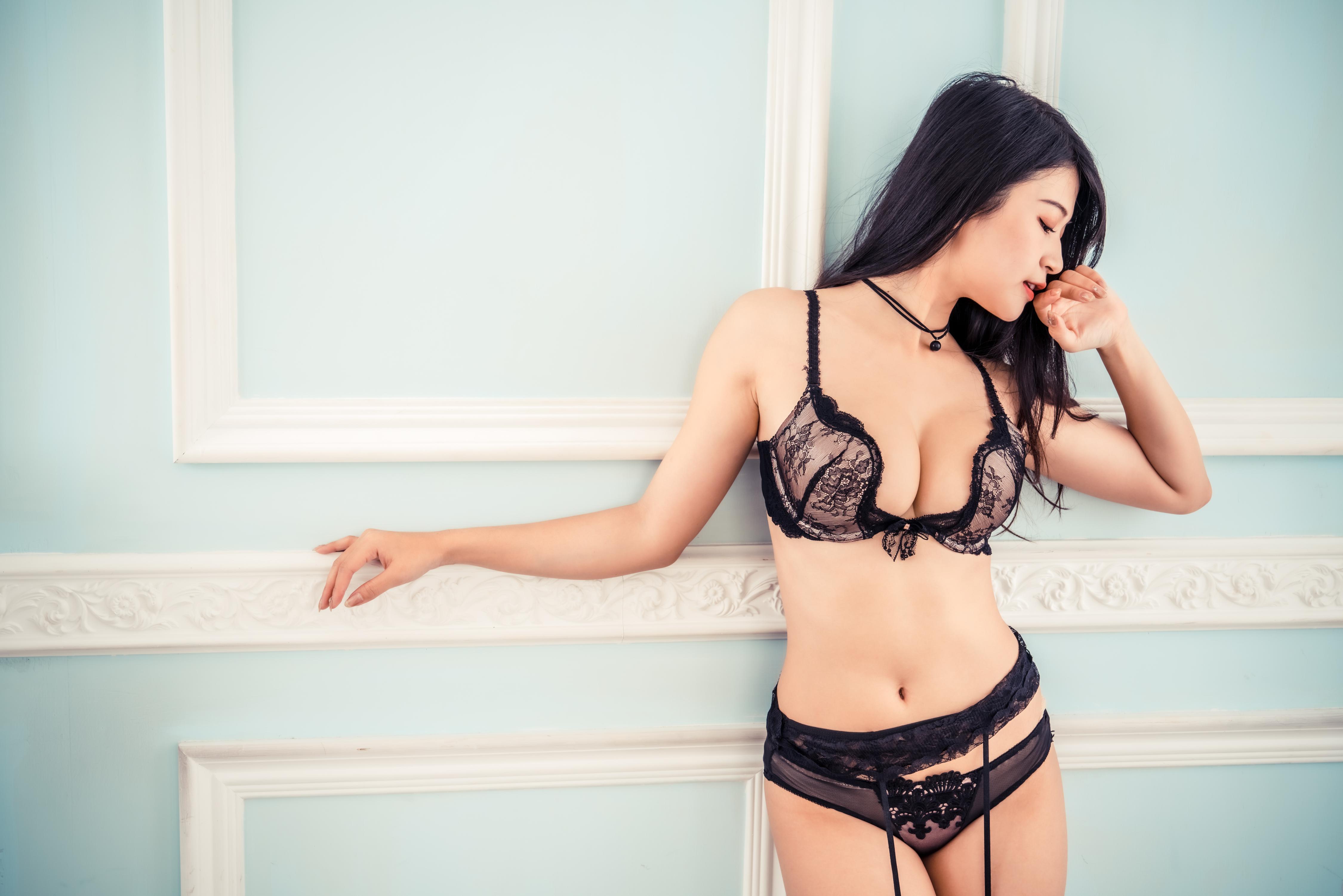 People 4500x3002 Asian women model brunette Lin Jiayi profile lingerie black lingerie bra garter belt panties belly necklace indoors women indoors Chinese