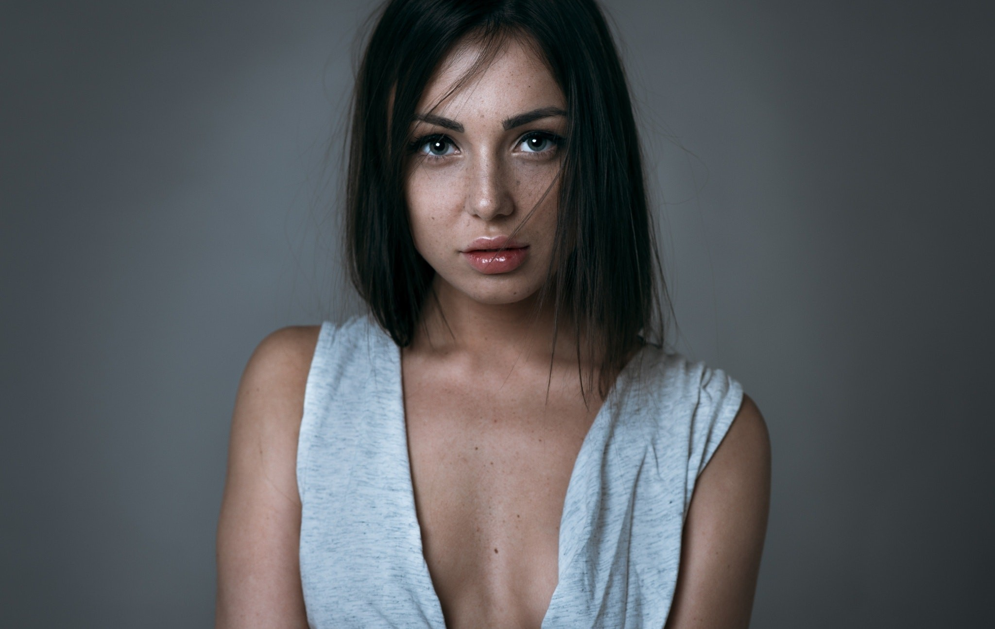 Foxy Di, freckles, pornstar, submission, Medina U, face