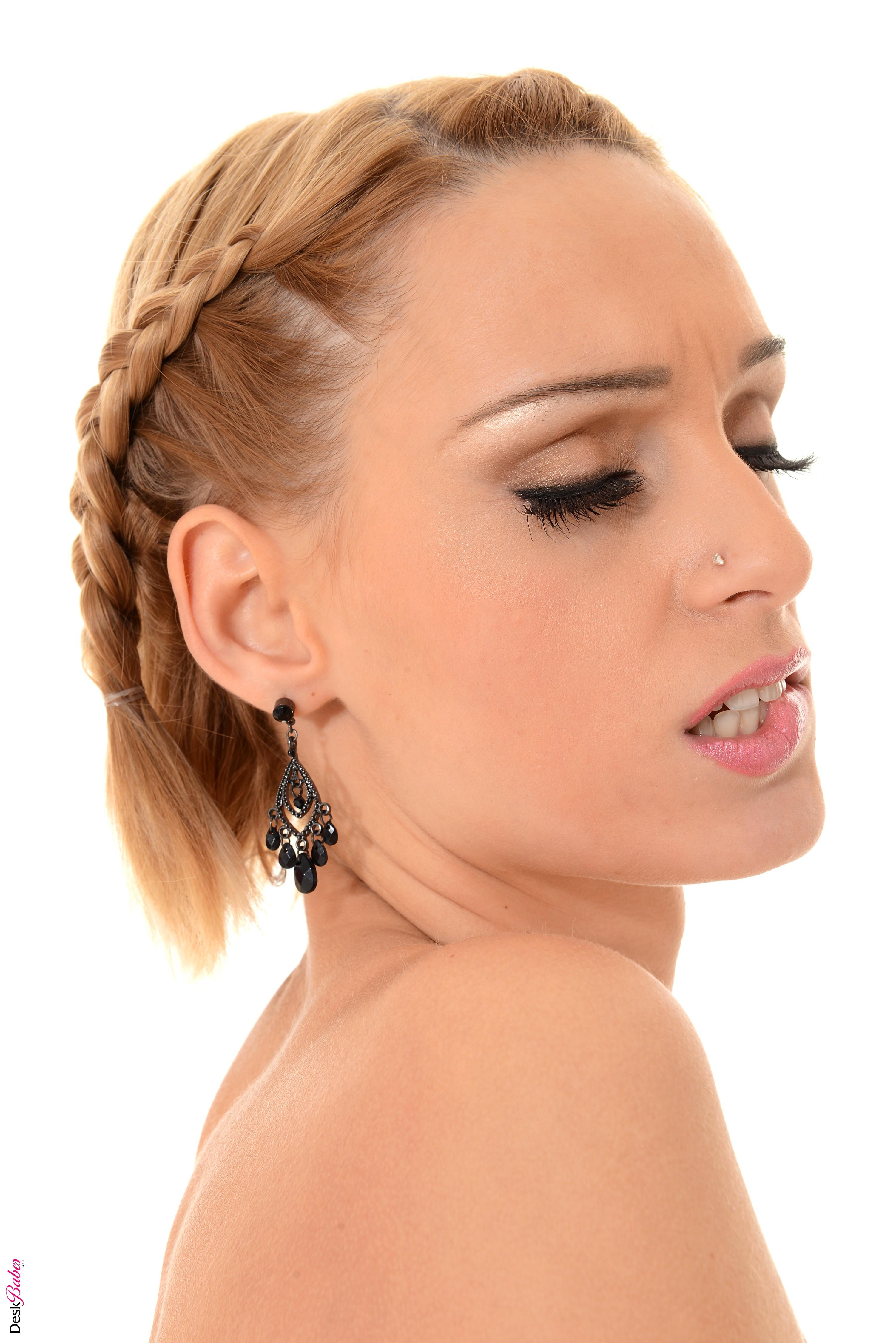 Erica Fontes, blonde, biting lip, women, pornstar | 3003x4500 Wallpaper - wallhaven.cc