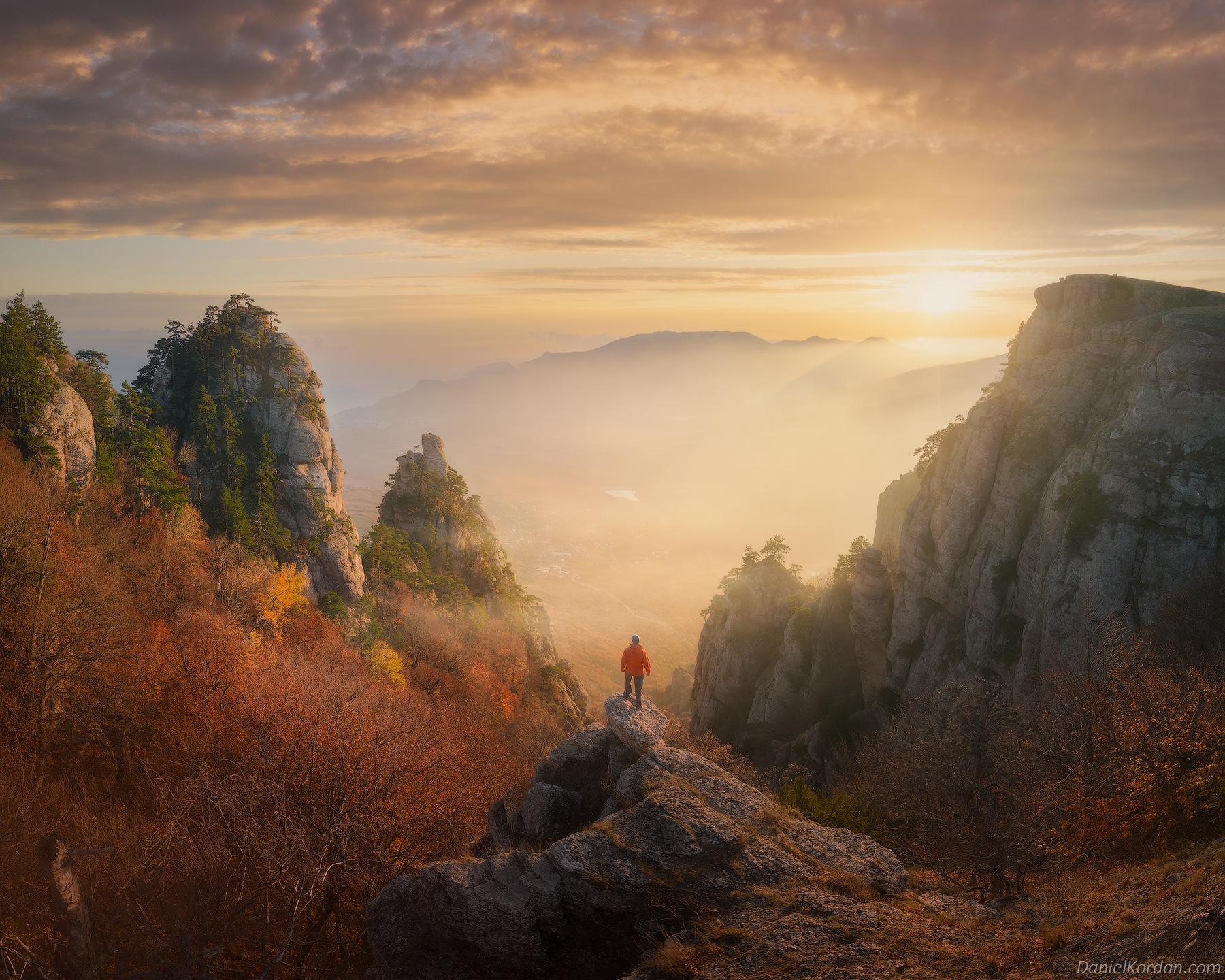 General 1800x1440 Daniel Kordan landscape sky clouds horizon sunlight cliff mountains plants nature