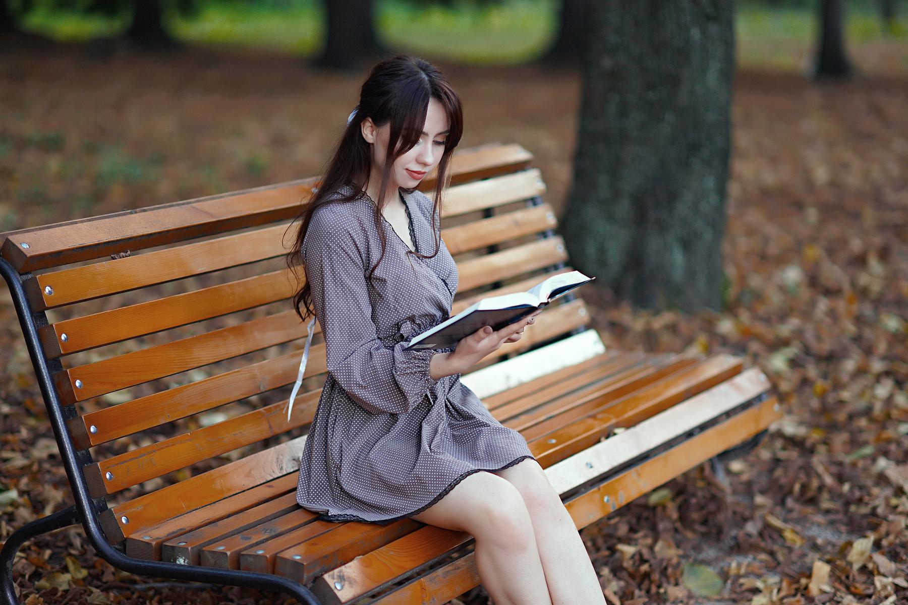 People 1800x1200 women model brunette long hair women outdoors reading bench books fall fallen leaves park minidress legs