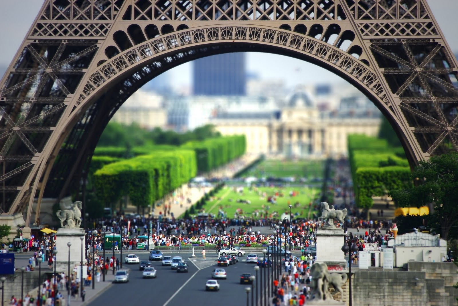 General 1600x1067 Paris Eiffel Tower tilt shift people cityscape traffic France