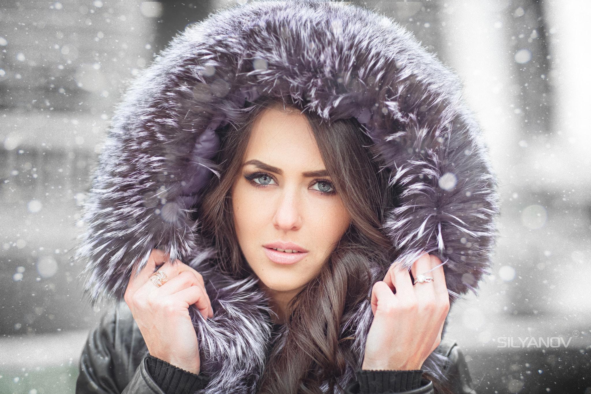 People 2048x1365 women Stanislav Silyanov hoods brunette model winter coats long hair long hair wavy hair portrait Arina gray eyes