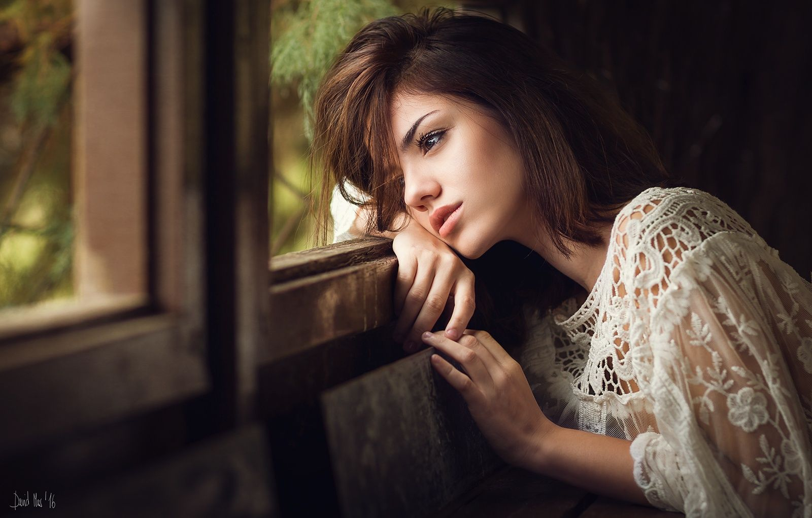 People 1600x1021 David Mas Delaia Gonzalez  women brunette shoulder length hair looking away blouse white clothing window