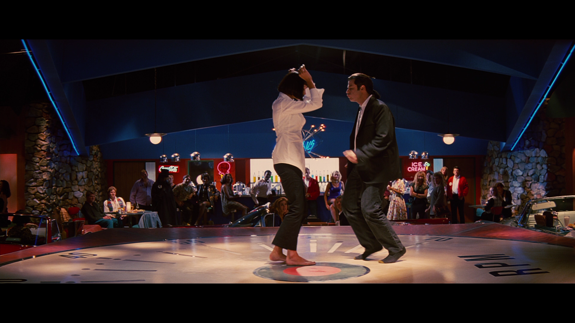 People 1920x1080 movies Pulp Fiction John Travolta dancing Uma Thurman actress actor women men Vincent Vega restaurant