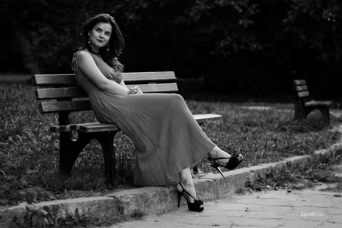 People 1200x800 Igor Egoroff bench women outdoors women sitting model 500px