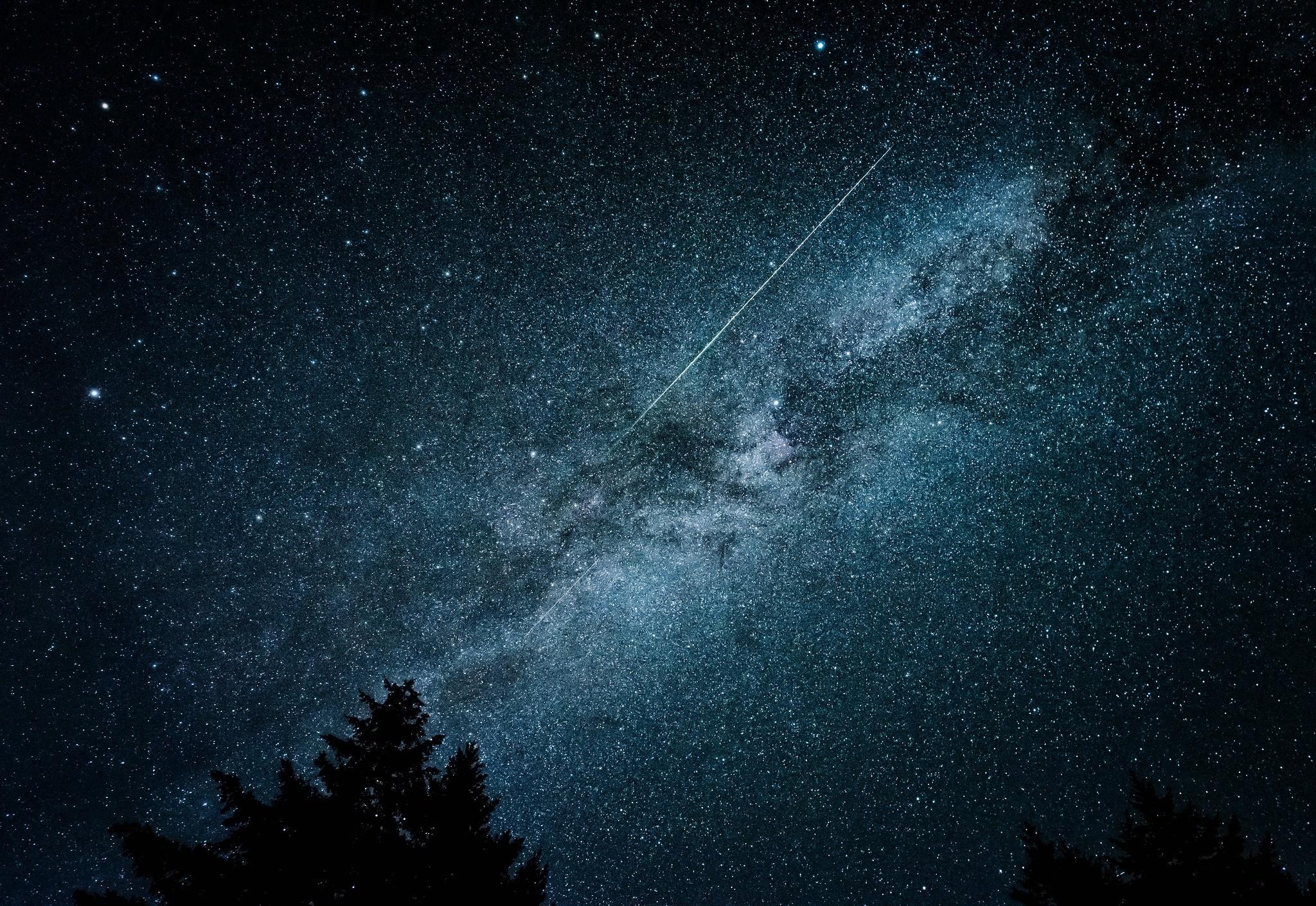 General 2048x1410 stars silhouette pine trees night comet